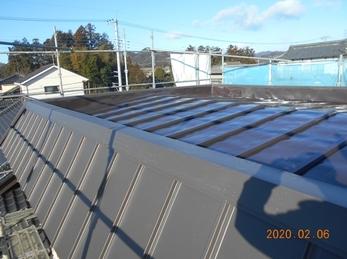 栃木市吹上町 O様邸 板金屋根葺き替え、軒天井塗装リフォーム事例